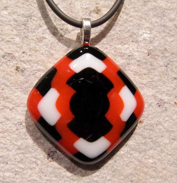 Fused glass pendant: Blazing Weave