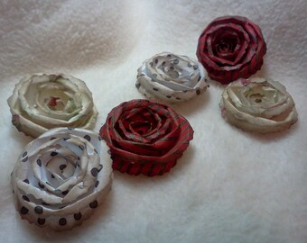 Christmas Flowers...6 Piece Set Lovely Shabby Chic Christmas Themed Scrapbook Rolled Paper Flower Roses