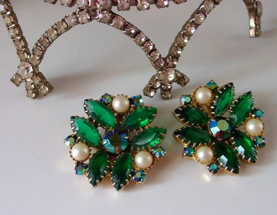 Juliana vintage emerald green rhinestone large clip-on earrings