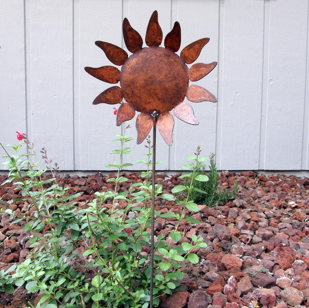 rusty finish metal garden art sunflower yard stake by