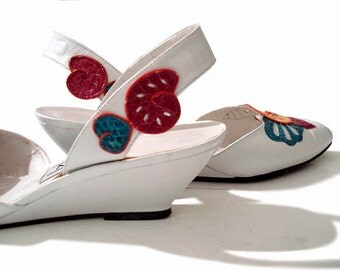 Vintage 80s White Summer Wedges Heels- Whimsical Lizard Appliques Cutouts Size 8