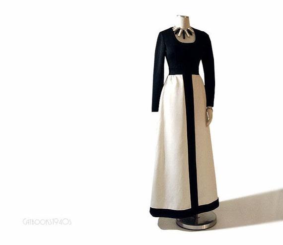 Vintage 1960s Mod Maxi Dress - Black White Colorblock XS S