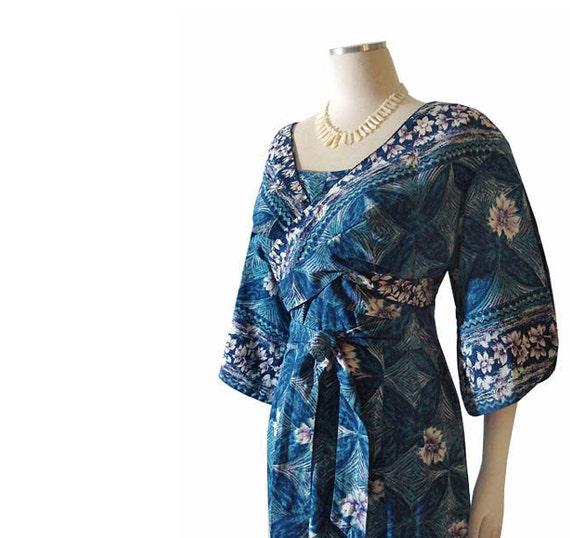 Vintage 1960s Blue Hawaiian Dress - Border Print Bolero Wrap Bodice Holo Mu'u L