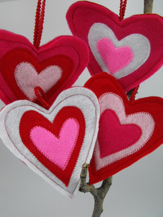 Valentine's Day Love Hearts Ornaments 4 Felt Decorations pink Red