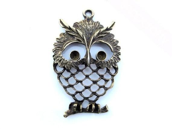 2pc large owl pendant antique brass. lead, nickel free MCHARM013