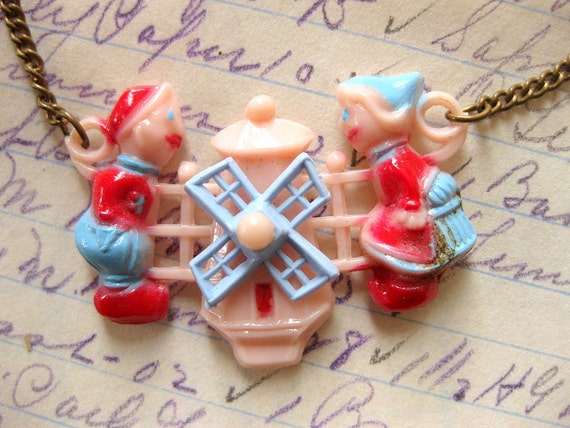 Vintage Childs Necklace with Spinning Dutch Windmill