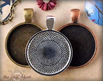50 Altered Art Pendant Blanks ~ 1 Inch Circle or Square Pendant Trays ~ Bezel Cabochon Settings in Vintage Finishes Silver, Bronze, Copper