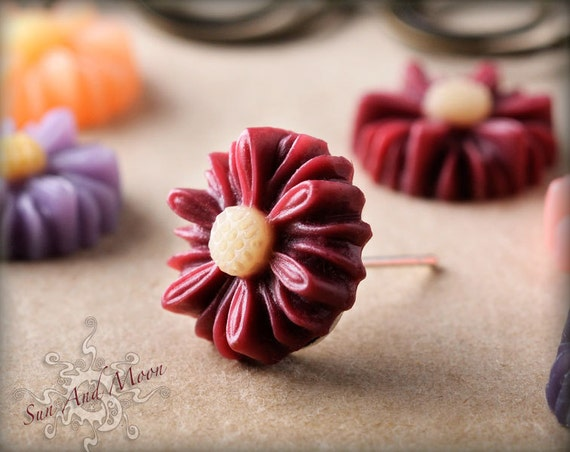 Daisy Cabochons - 14mm - 20pcs Flower Cabochons - Chrysanthemum Mum - Cameo Flat Back - Mix and Match Any Colorful Resin Flowers - 14RFD