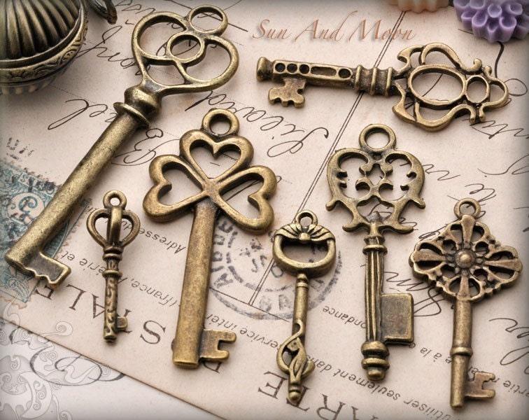 Vintage style key set 7 unique skeleton keys in antique for Antique looking keys