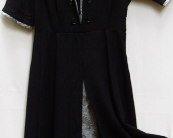 SWEET VINTAGE DRESS, 1940 S, Rayon, Black, Ex Condition, pleat, buttons, classic
