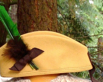 Vintage WOOL CAMEL HAT, Cap, Feathers, Cinderella New york, usa Berkshire, mid century, adorable
