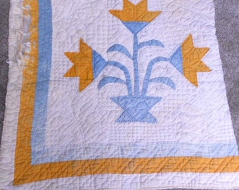 ANTIQUE QUILT PIECE, Carolina Lily, hand sewn, cheddar, blue, awesome quilting, graphic