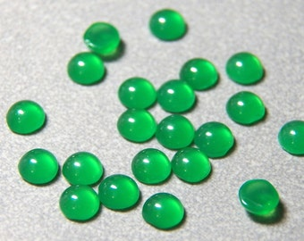 Vintage Chrysophrase Green 5mm Round Domed Flat Back Glass Cabochons (6)