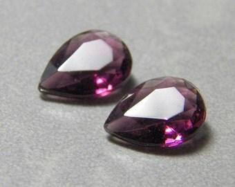 Vintage Amethyst Faceted Glass Teardrop Jewel 25x18 (1)