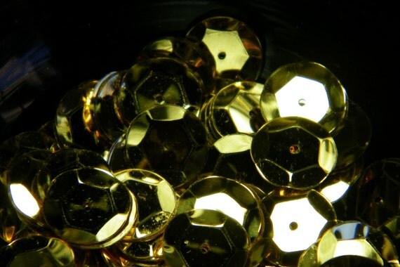 Vintage French Gold Metallic Sequins (100)
