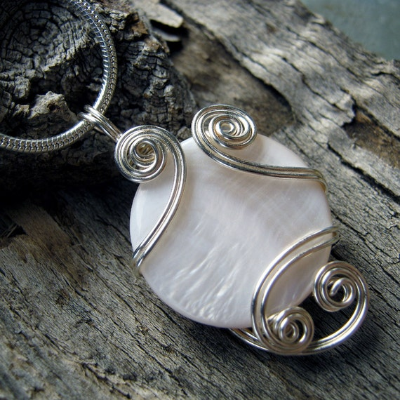 White Mop Shell Wire Wrapped Pendant Necklace in Silver