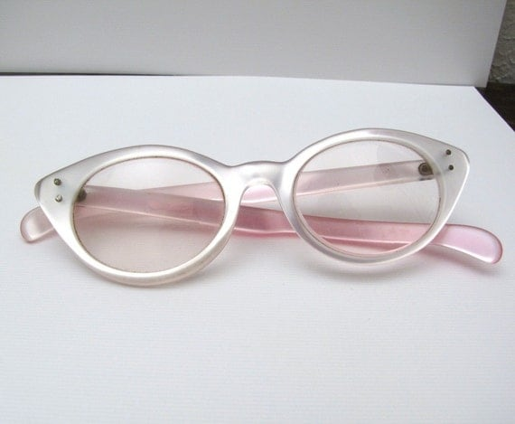 Vintage 50s cats eye Pink and Pearl Lucite eye glasses Moonglow