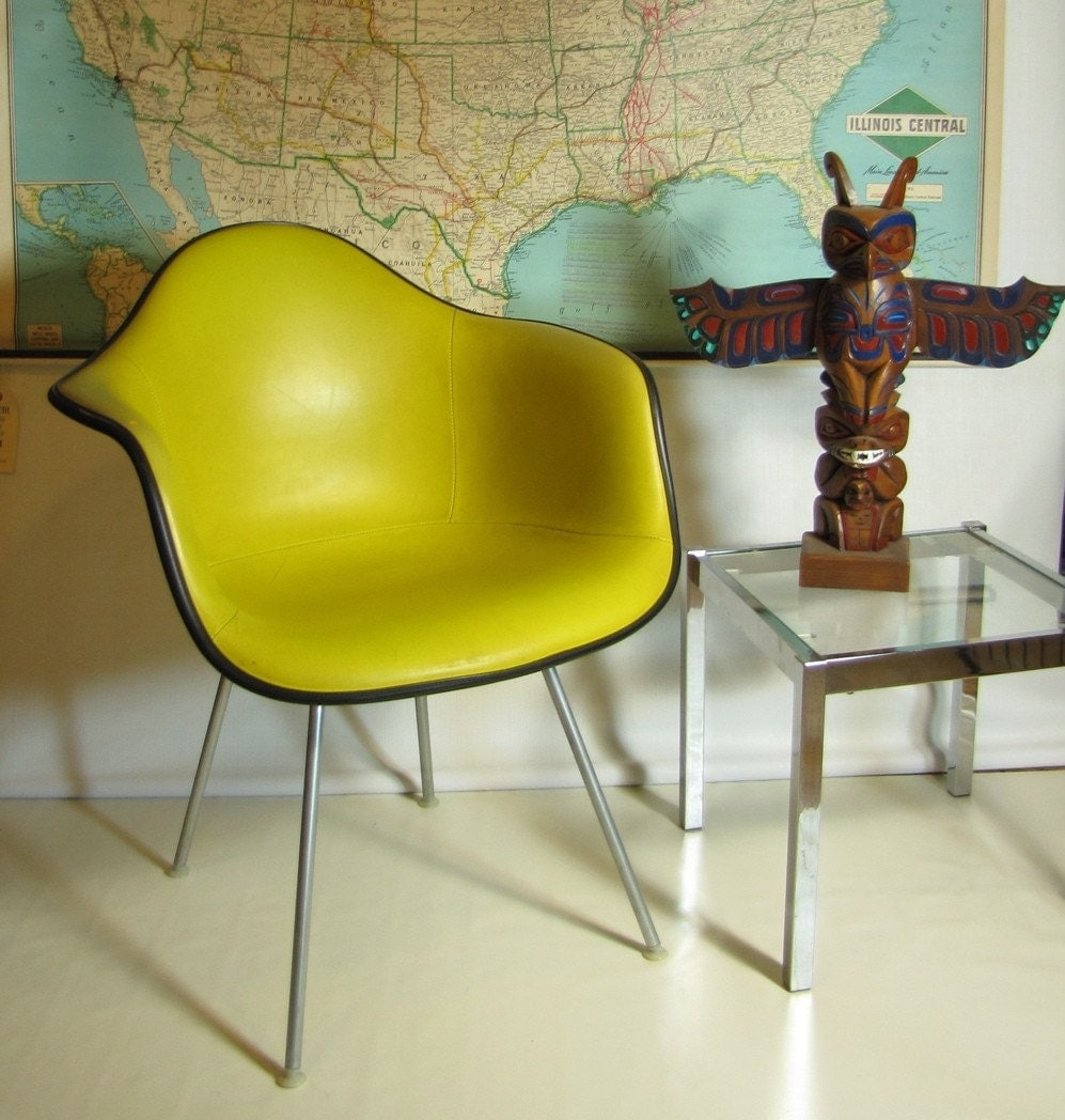 Vintage herman miller fiberglass shell chair yellow - Vintage herman miller ...
