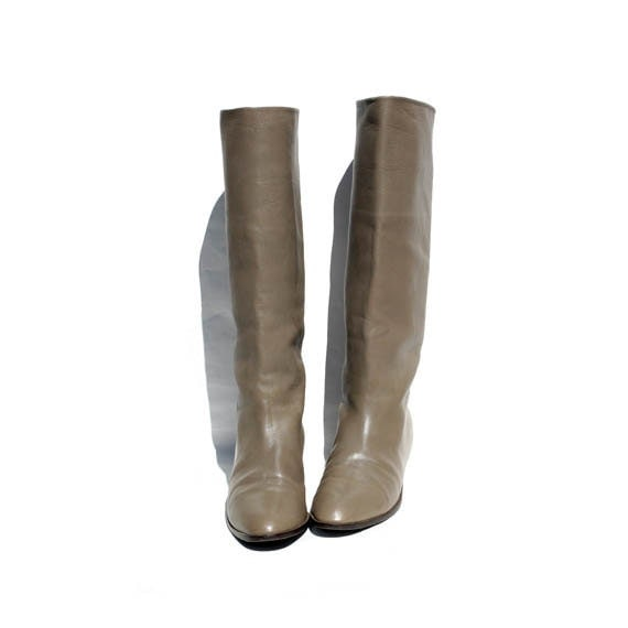 size 8 gray Italian leather boots