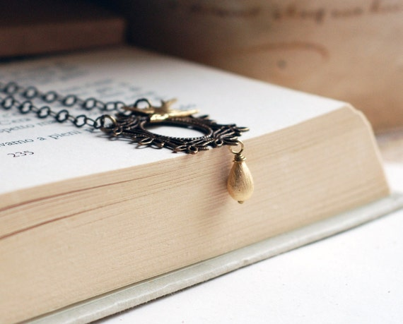 Magic Mirror - Flying bird - Necklace with gold drop