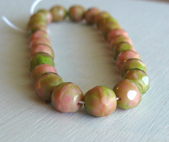 25 Pink/Green Czech Glass Fire Polished 8mm Rounds