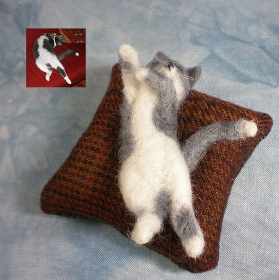 CUSTOM pet portrait DEPOSIT from photos for a Needle-Felted Miniature Cat on a Pillow Sculpture (62812d)