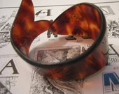 ON HOLD for hinic 1 - Vintage Tortoise Shell Design Fish Bracelet