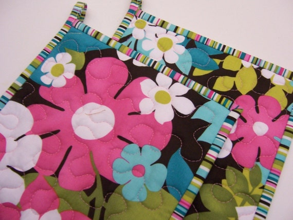 Contemporary Quilted Potholders, Floral Potholders, Michael Miller Potholders, Set of 2 potholders, Hotpads
