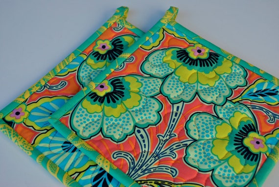 Contemporary Amy Butler Lark designer potholders in Floral Couture in Mandarin