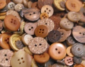 50 Multi Sizes Round Buttons Earthly