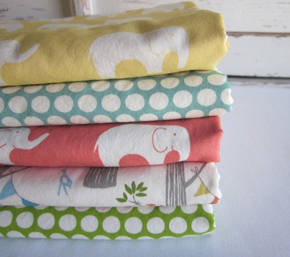 Organic baby blanket - cotton fleece - FOREST PARTY