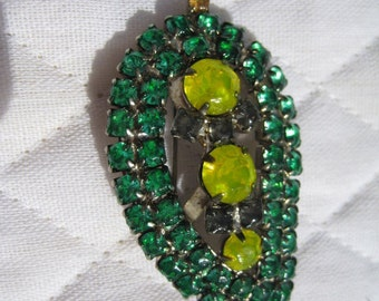 Exquisite Vintage Leaf Shaped Brooch Hand Painted in the style of Tom Binns