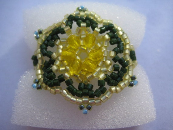 FloraYellow and Green Ring Pattern By Marie Geraud  Beaded by ME Size 9
