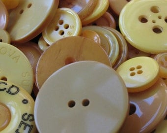 50g Mixed Bright Yellow Buttons