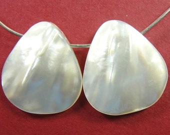 White Mother of Pearl teardrops (2) 18x18mm  CTS8AK