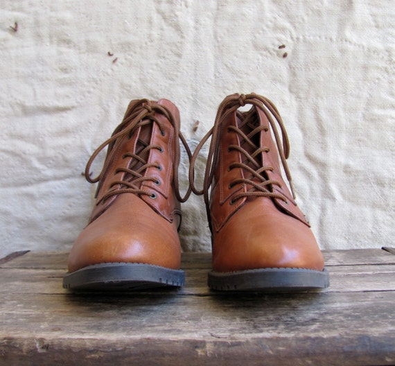 vintage 1980s leather lace up ankle boots with buckle detail sz 6 // Burnt Caramel