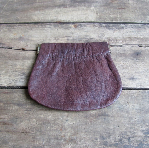 vintage c. 1960s brown leather coin purse