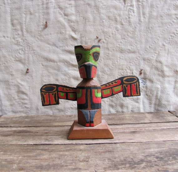 vintage c. 1950s painted wood totem pole souvenir