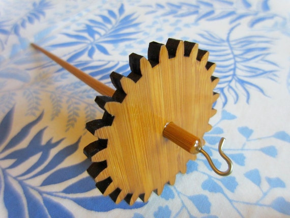 Lace Drop Spindle in Simple Gear, 0.8 oz / 23 grams