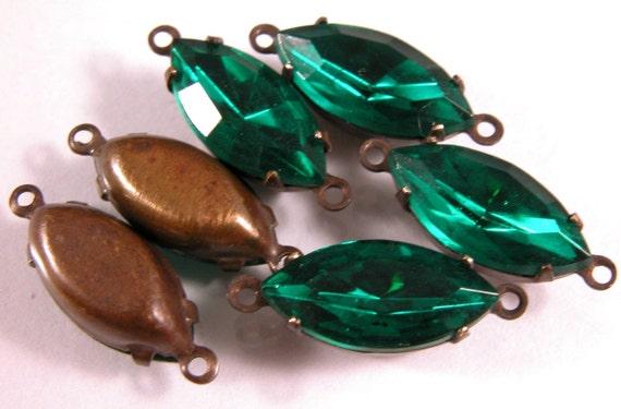 Emerald Navette 15x7mm 2 ring antiqued brass settings