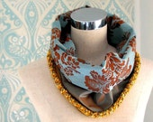 SALE Dramatic Cowl Collar with Co-ordinating Brooch VERSAILLES