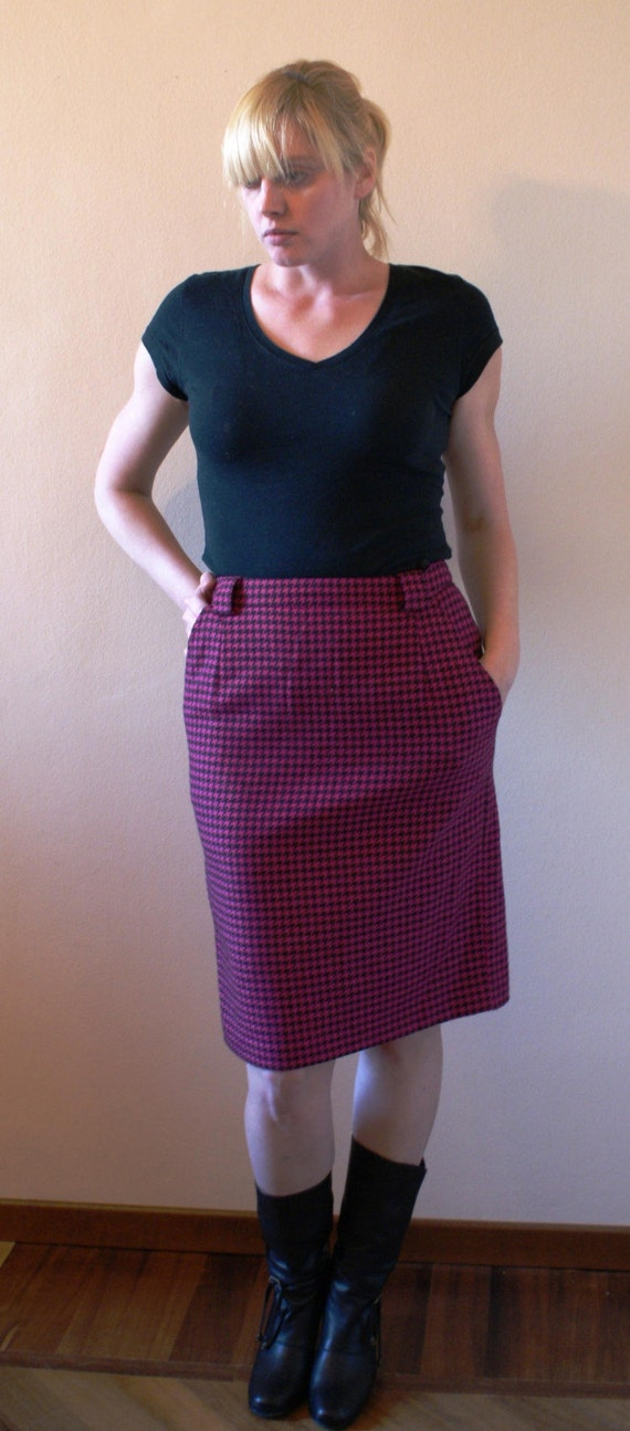 fuschia pink and black houndstooth pencil skirt