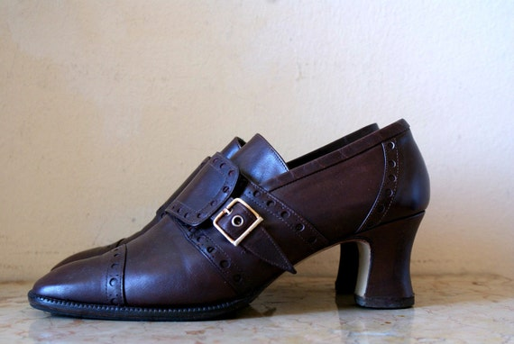 Toasted Tobacco Brown Leather Flapper Style Buckle Heels 7.5