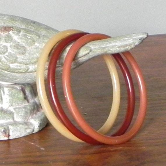 Vintage bangle bracelets bakelite bake lite set of three  designed by Ketty Dalsgaard - Danish designer