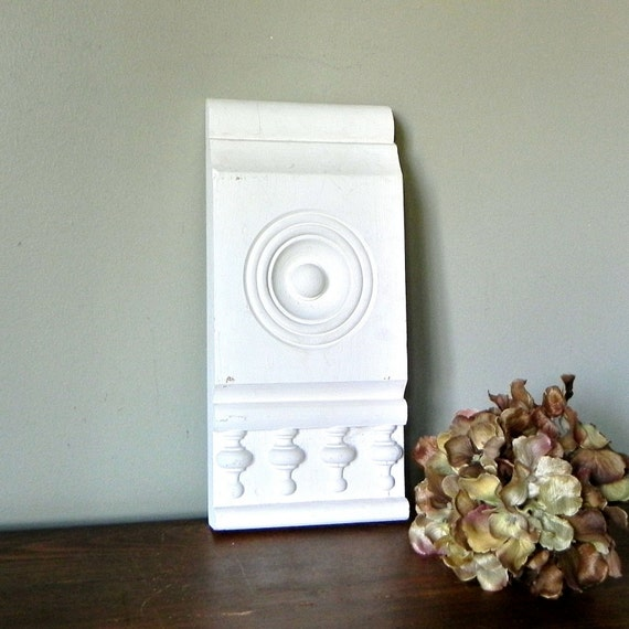 Vintage architectural block shabby molding - intricate details