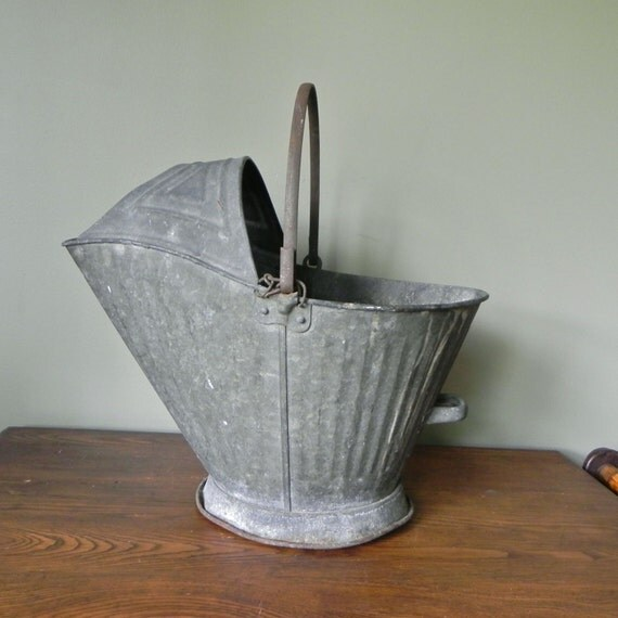 Vintage galvanized metal coal scuttle use as log carrier holder paper holder fire starter by fireplace planter rustic industrial