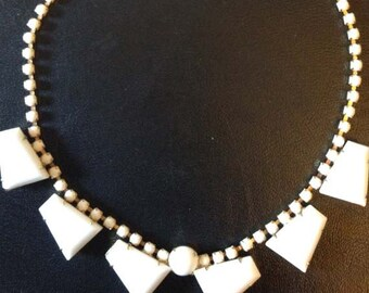 40s Geometric Collectible Milk Glass Necklace