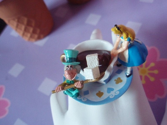 Alice In Wonderland And Mad Hatter Having Tea Sweet Lolita Decorative Filigree Ring