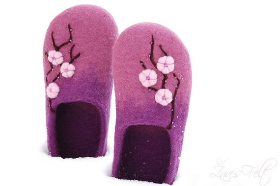 Felten slippers/ home shoes Cherry Blossom in purple HANDMADE TO ORDER