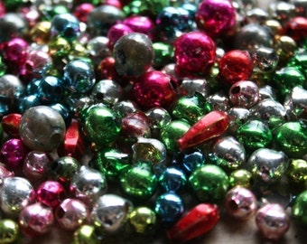 Vintage 1950s Mercury Glass Garland Beads - Retro Christmas Glass Bead Mix - Holiday Crafting